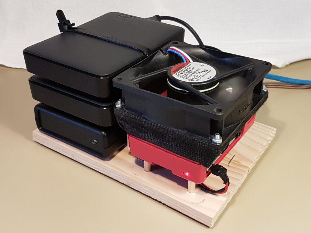 Build a Home Server with a Raspberry Pi | μF