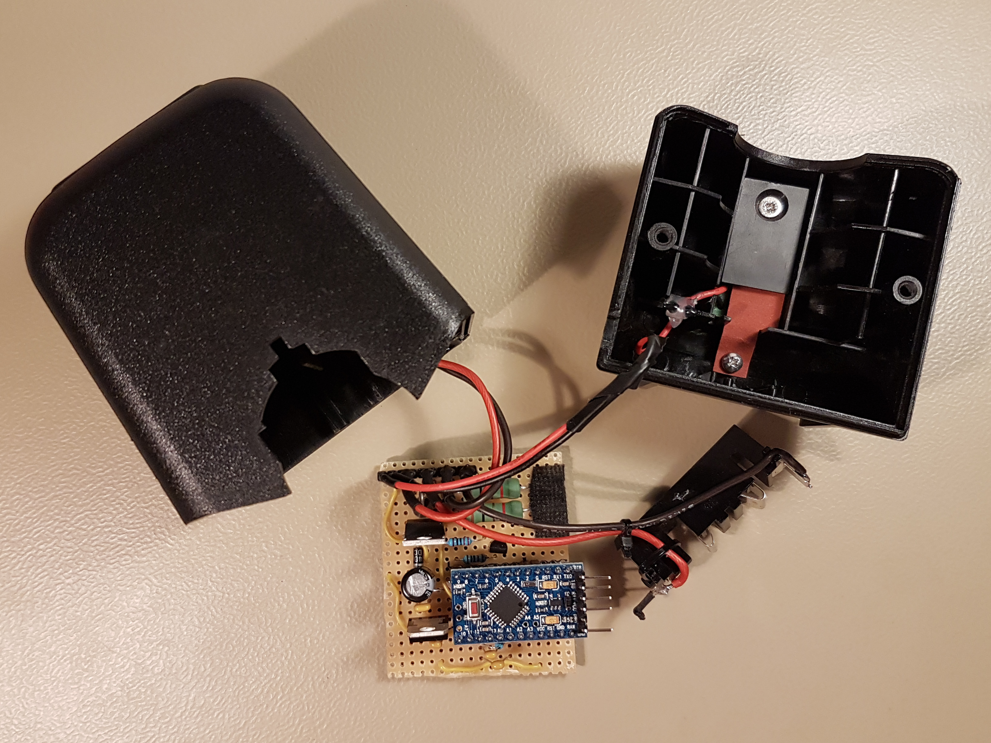 Build a Lithium-Ion Battery Charger on Arduino | μF